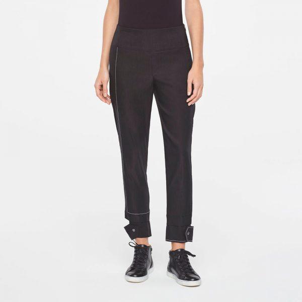 Linen pants with details