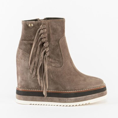 Via Bronzetti ankle boot