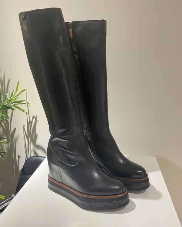 Via Spagnoli boots