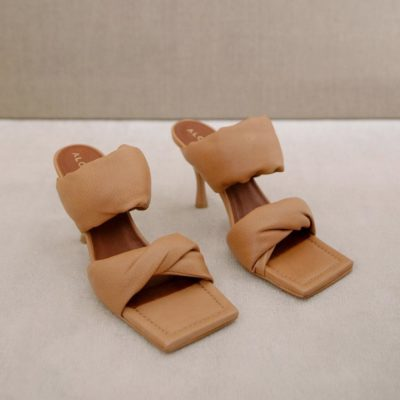 Twist Strap camel sandal