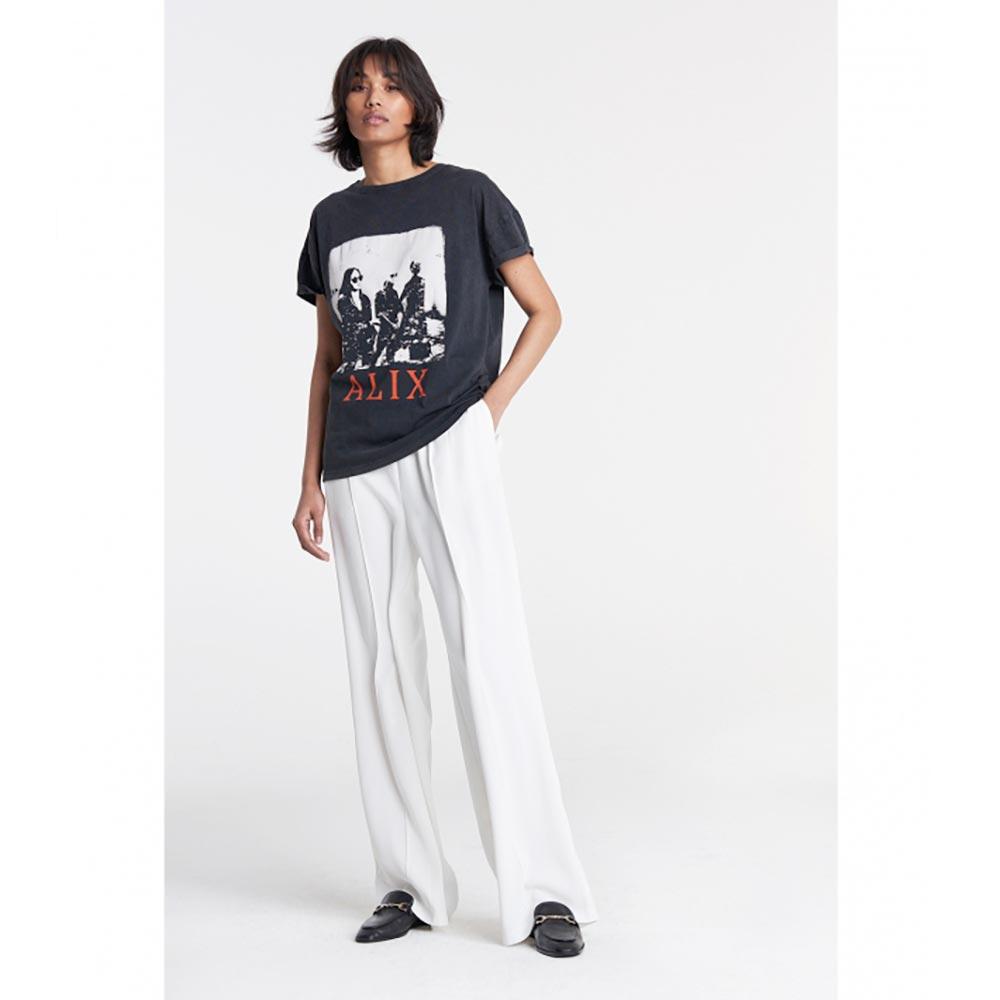 Camiseta-boxy-negra-Alix_3